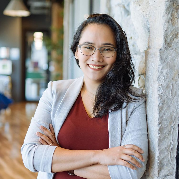 Slow Down With Cosmo: 'Get Hired' podcast review featuring Lyqa Maravilla