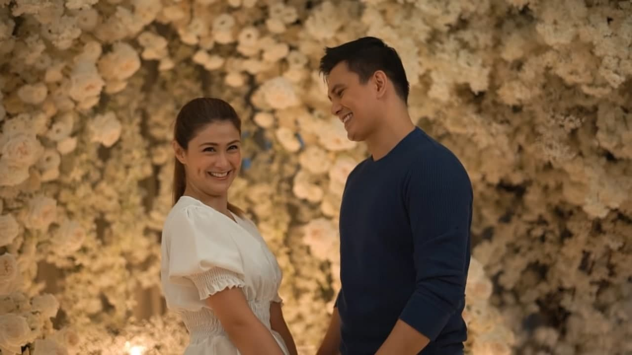 Tom with Carla Abellana looking at the people behind the camera