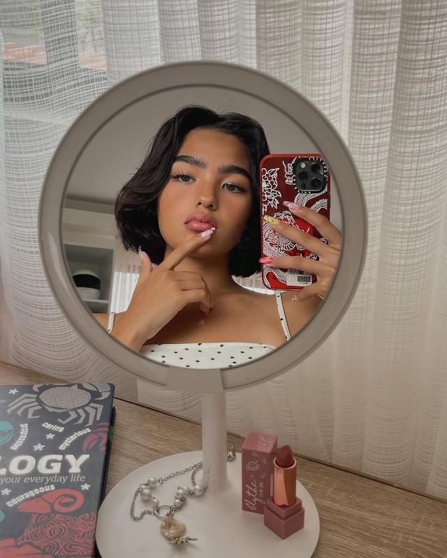 small mirror selfie: Andrea Brillantes