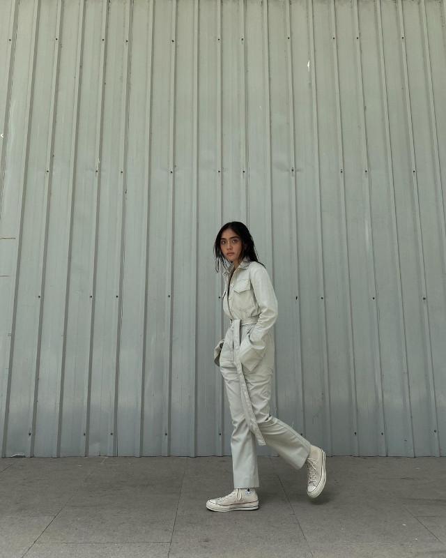 Ida Anduyan white outfit idea 1