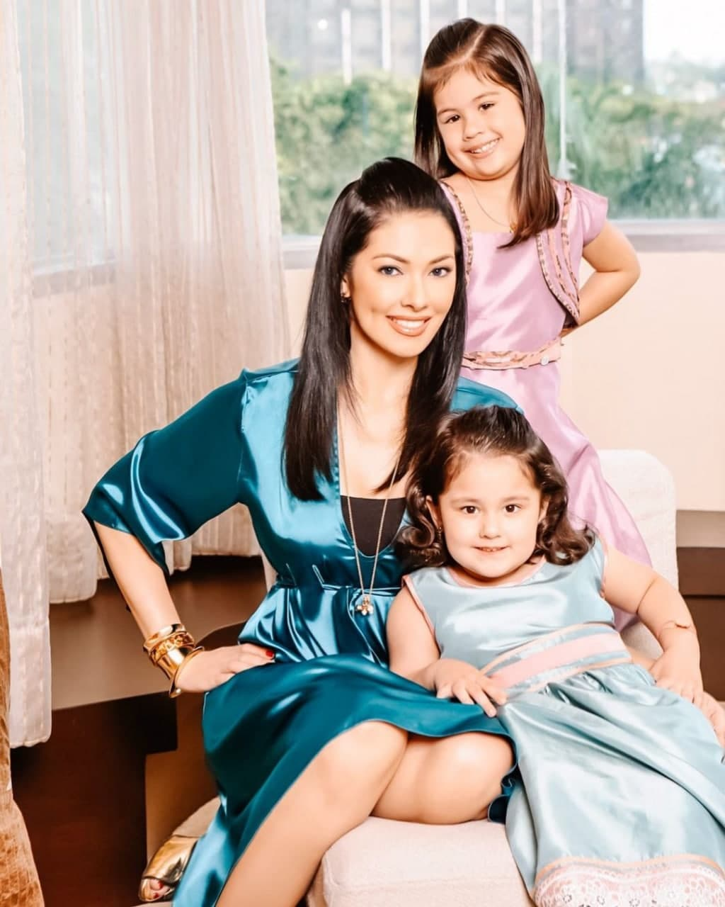 Ruffa and her daughters all dressed up