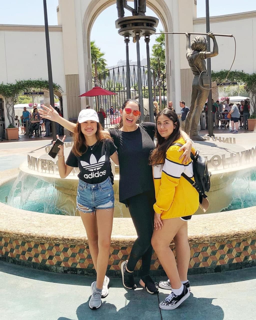 Ruffa and her daughters in Universal Hollywood