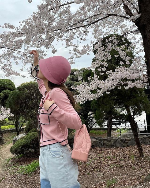 Pink Outfit Idea: Jennie Kim of BLACKPINK