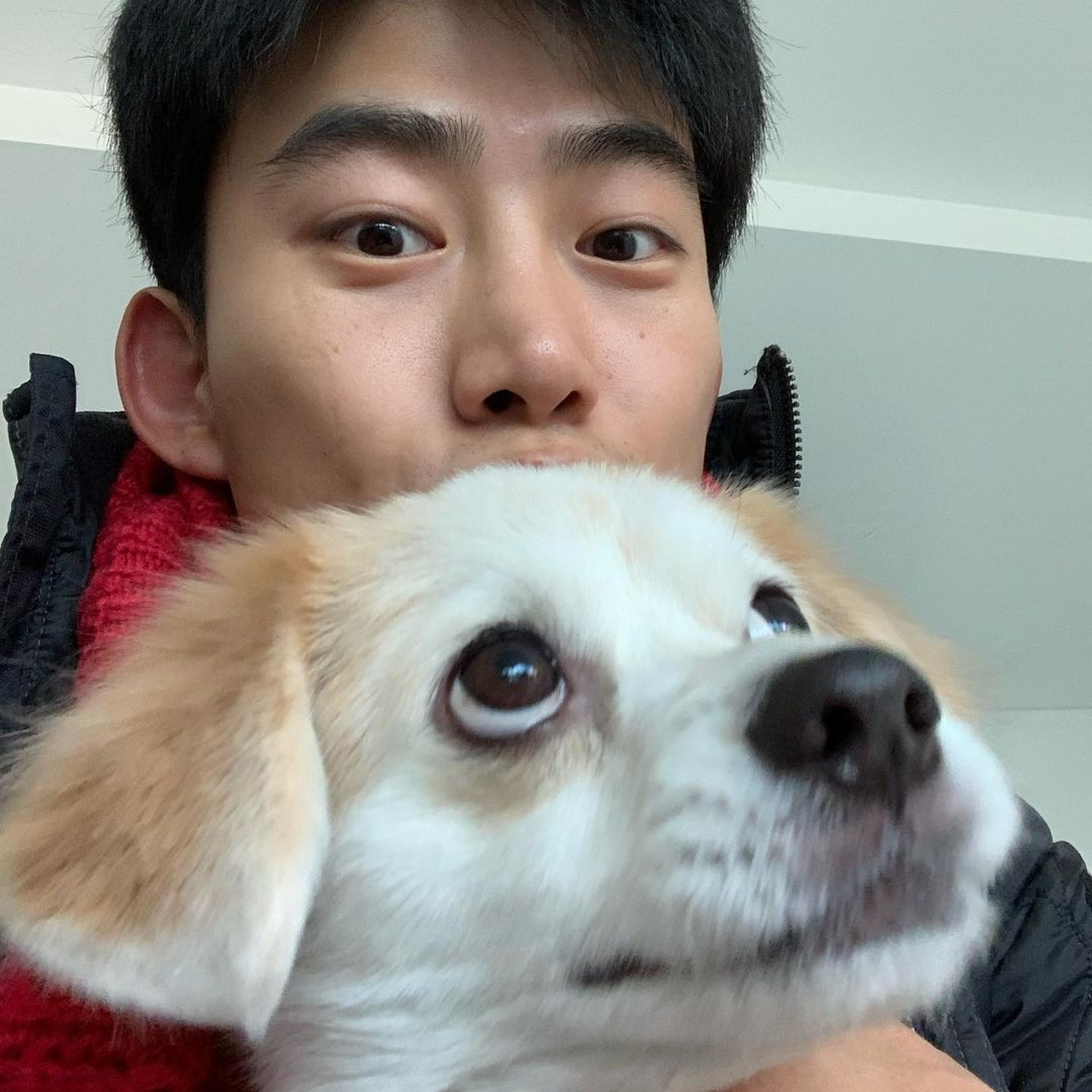 Taecyeon and his pet, Eddie