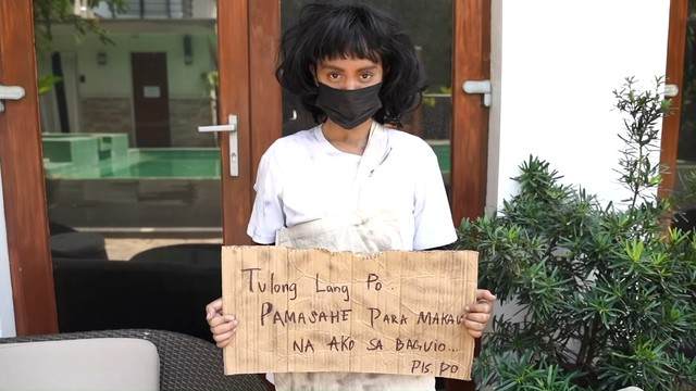 Ivana Alawi dressed up as a homeless person