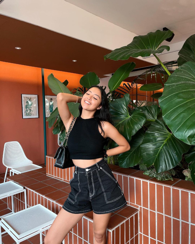 Rei Germar Monochromatic Outfit 1