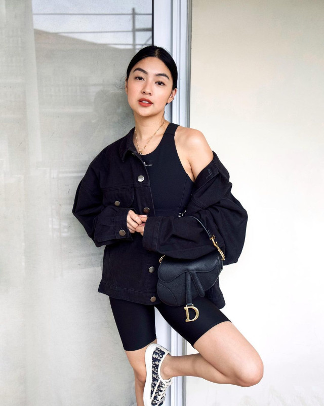 Rei Germar Monochromatic Outfit 2