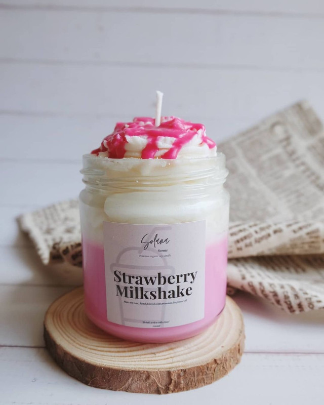Solana Scents Strawberry Milkshake scented candle