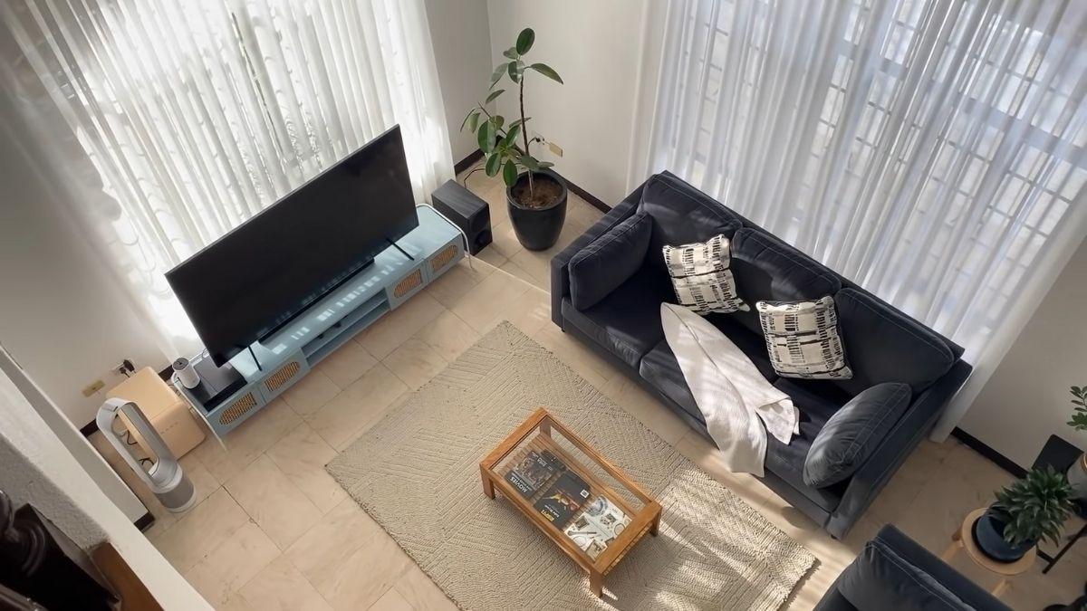 Bea Fabregas house tour 2021: living room
