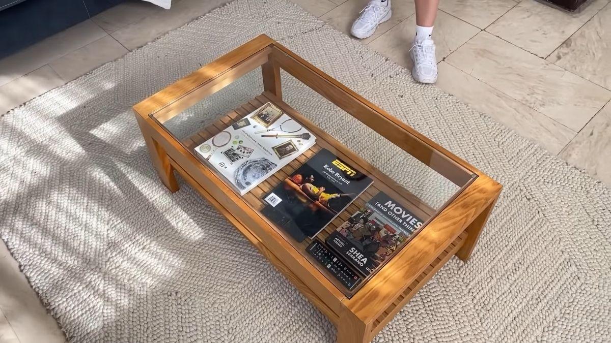 Bea Fabregas house tour 2021: secondhand coffee table