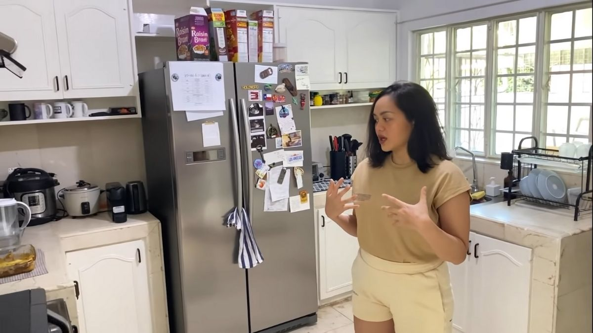 Bea Fabregas house tour 2021: kitchen with older design