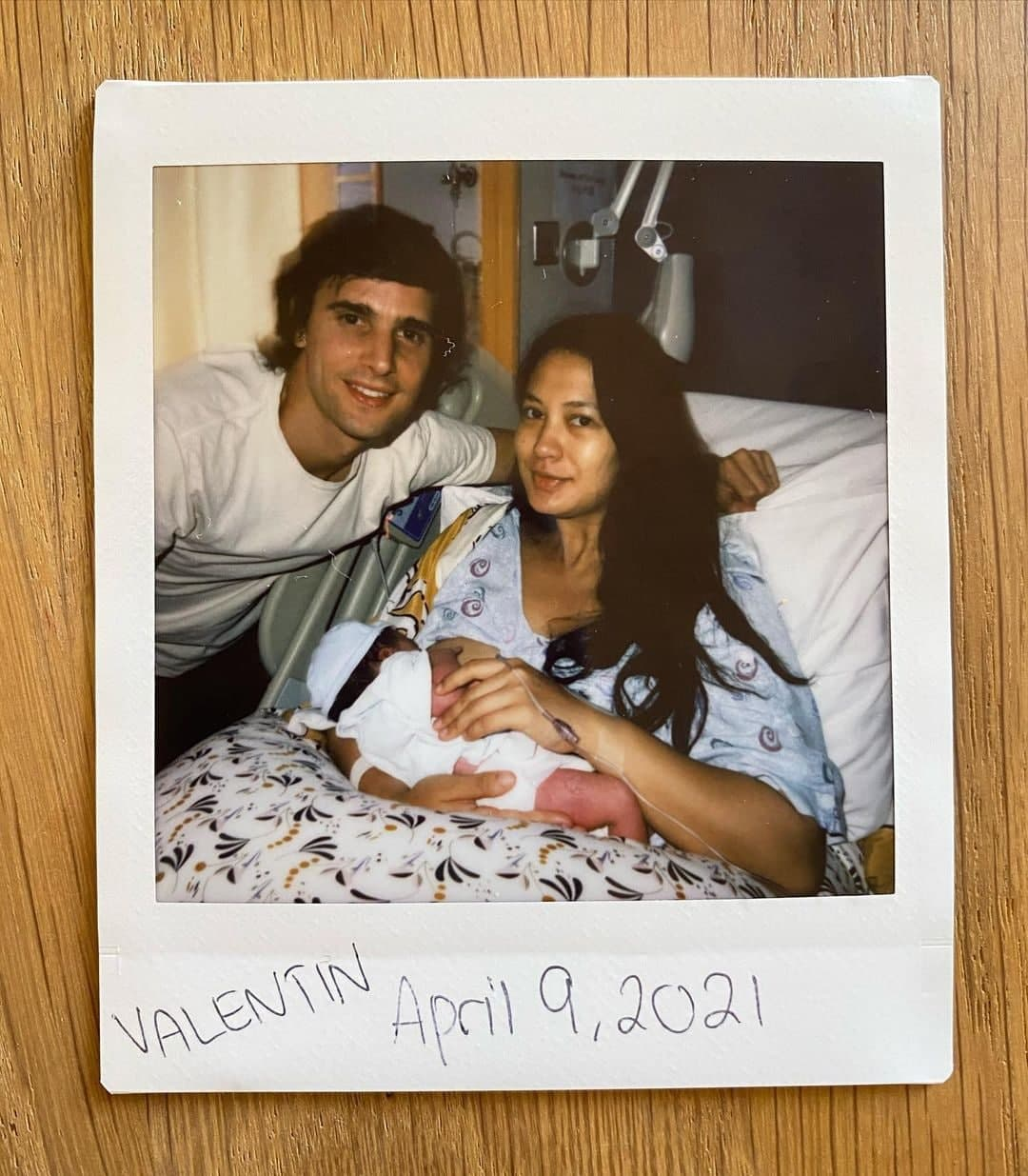 Adrien Semblat and Isabelle Daza with their newborn child