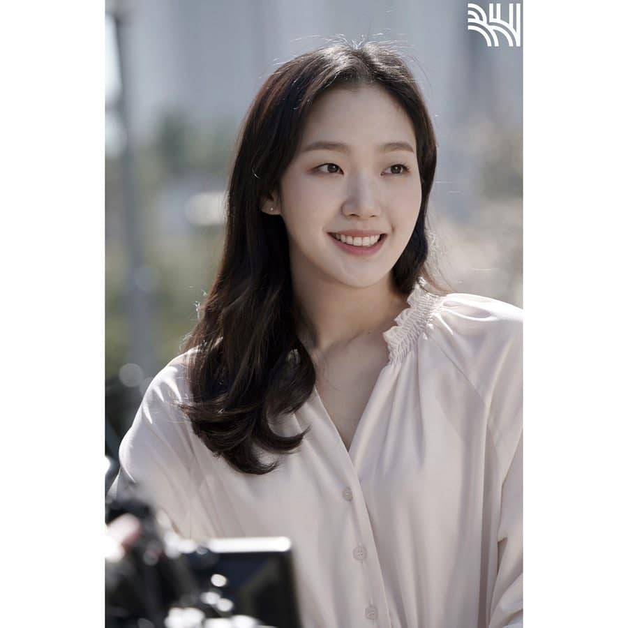 Kim Go Eun as Yumi