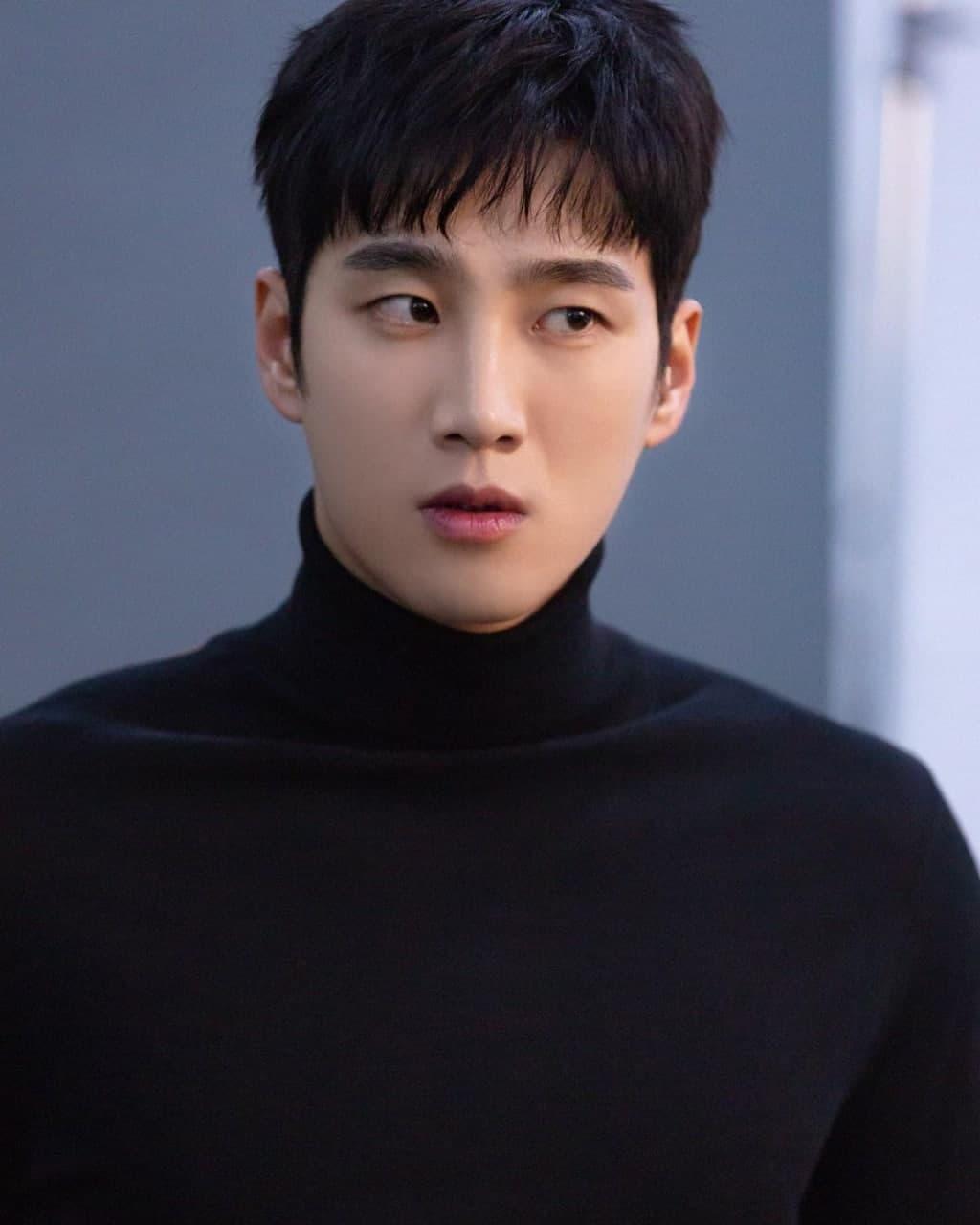 Ahn Bo Hyun as Goo Woong