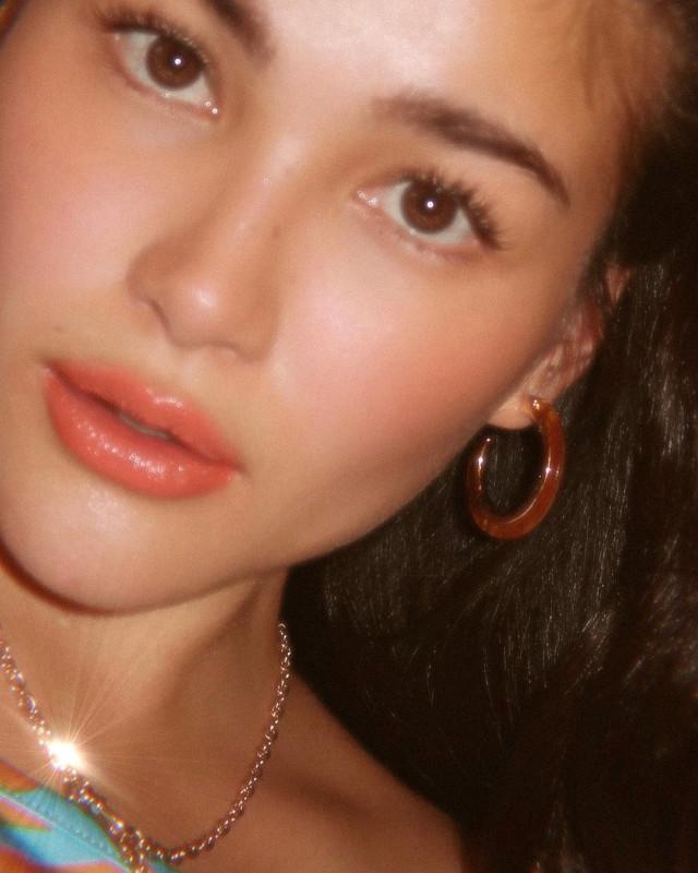 Close-up selfie: Elisse Joson