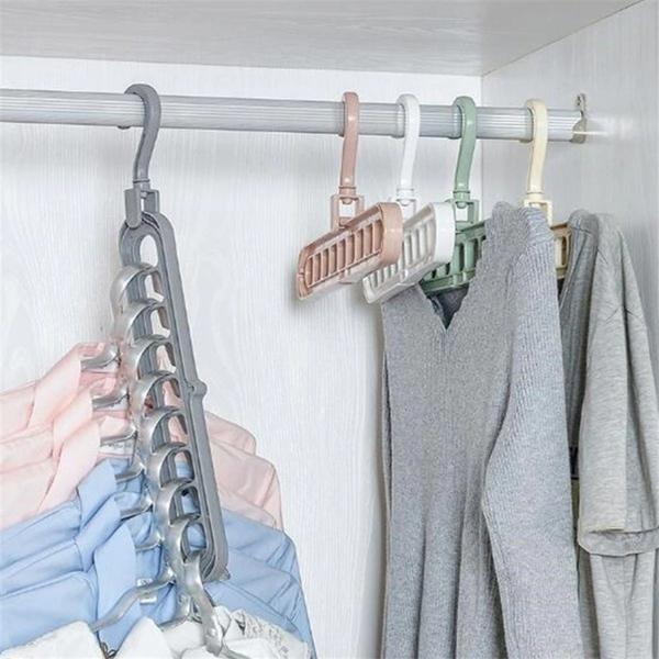 9-Hole Clothes Hanger