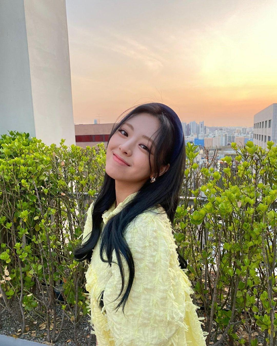 ITZY member Yuna