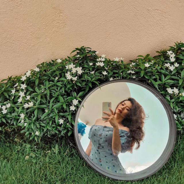 Round Mirror Selfies: Verniece Enciso