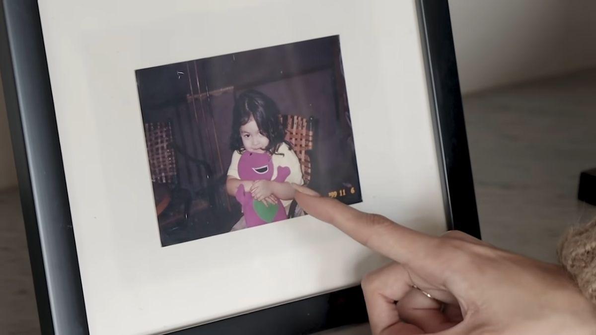 Julia Barretto home office tour - baby photo of Julia