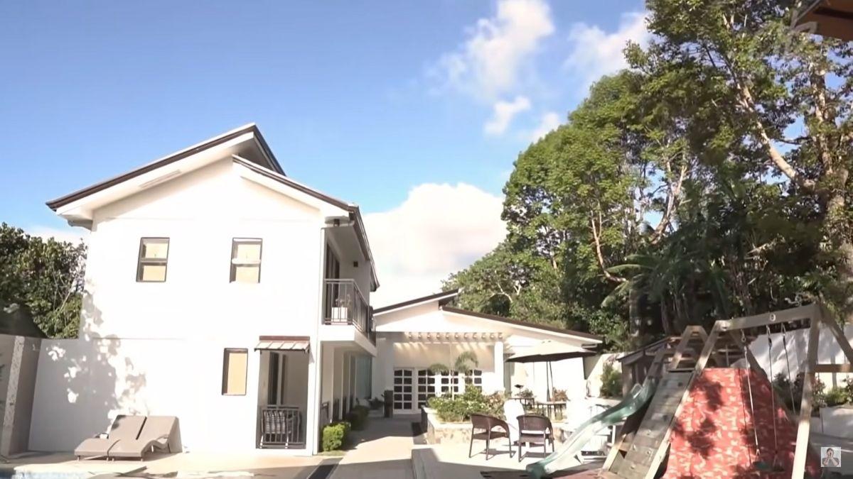 Miranda's Rest House tour by Chito Miranda