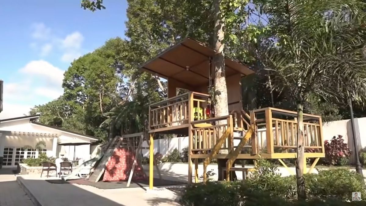 Miranda's Rest House tour by Chito Miranda: playhouse ni Miggy