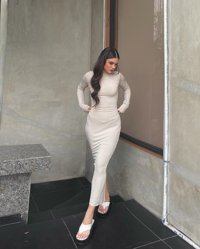White Outfit Ideas: Ashley Colet