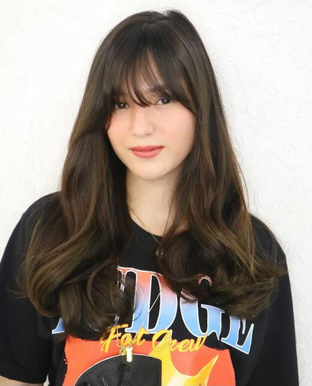 Barbie Imperial: Hairstyle with bangs