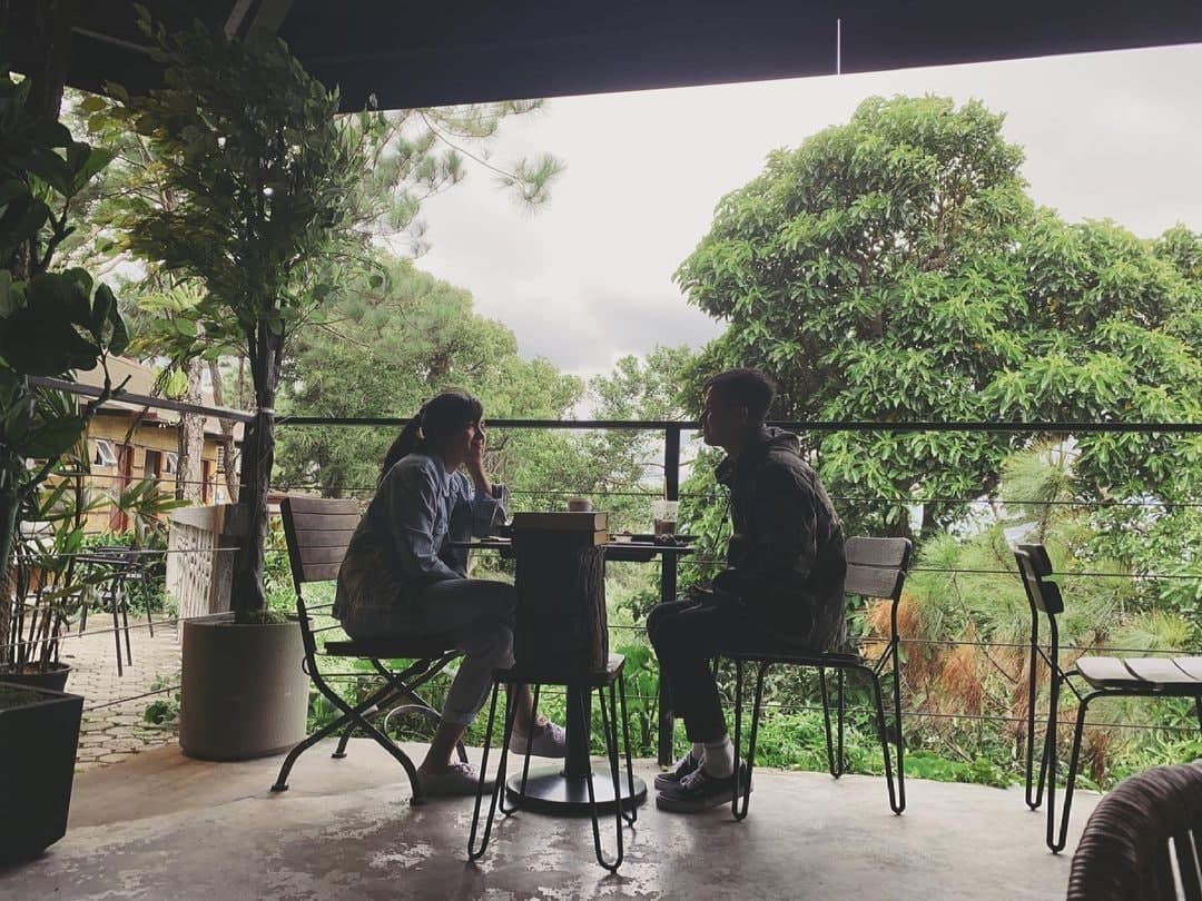 Jane Oineza hanging out with RK Bagatsing over coffee