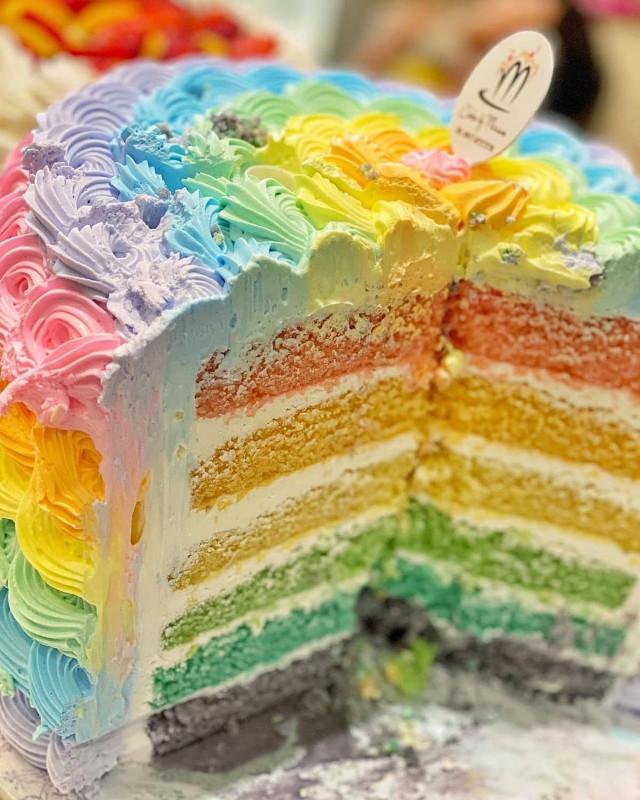 Where to buy rainbow cakes: Cakes by Miriam