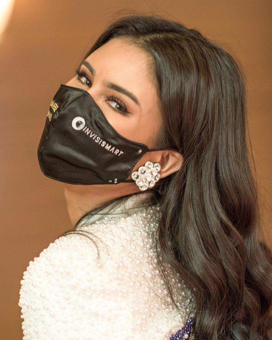 Rabiya Mateo wearing earings worn by Pia Wurthzbach