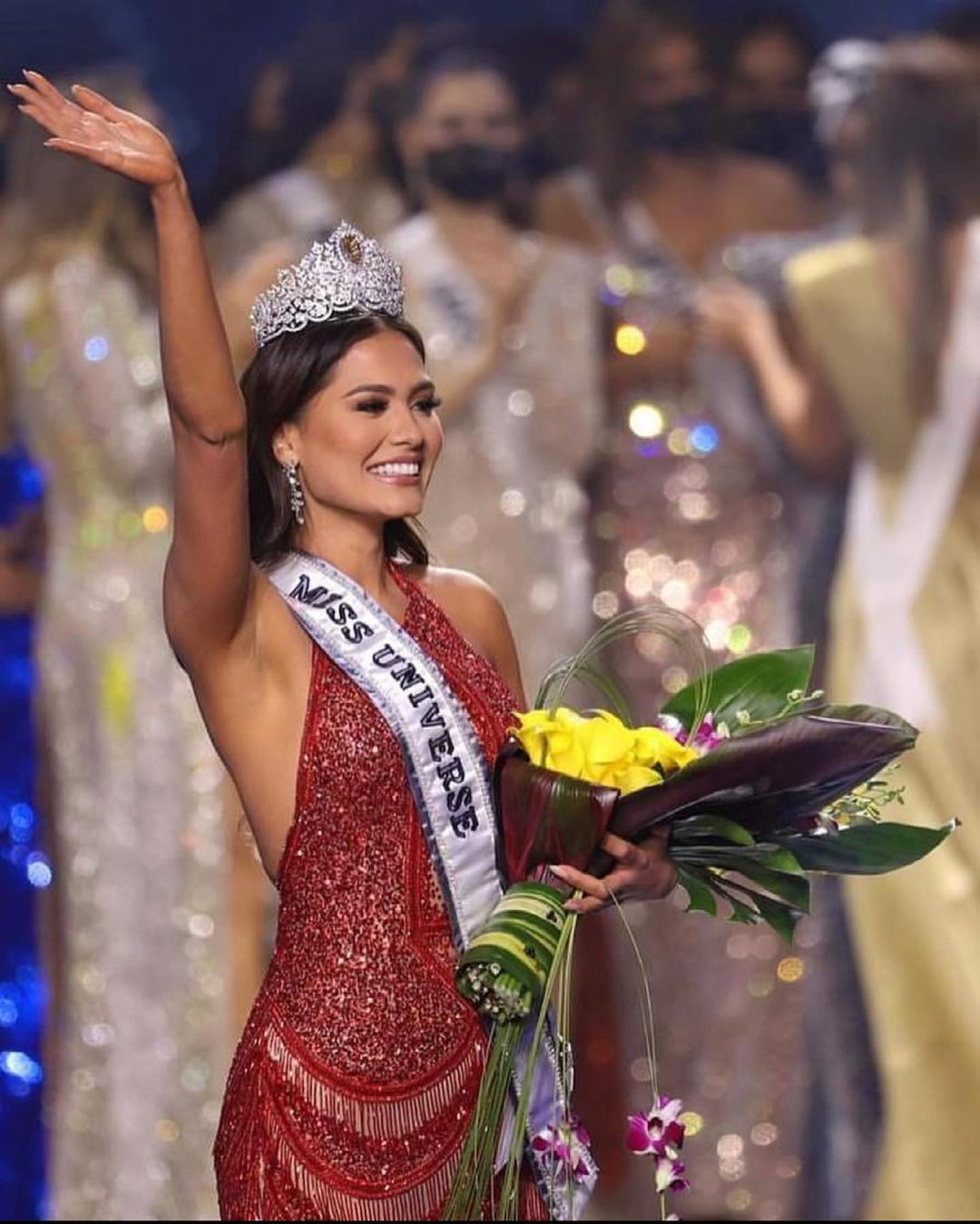 What does Miss Universe 2020 win?