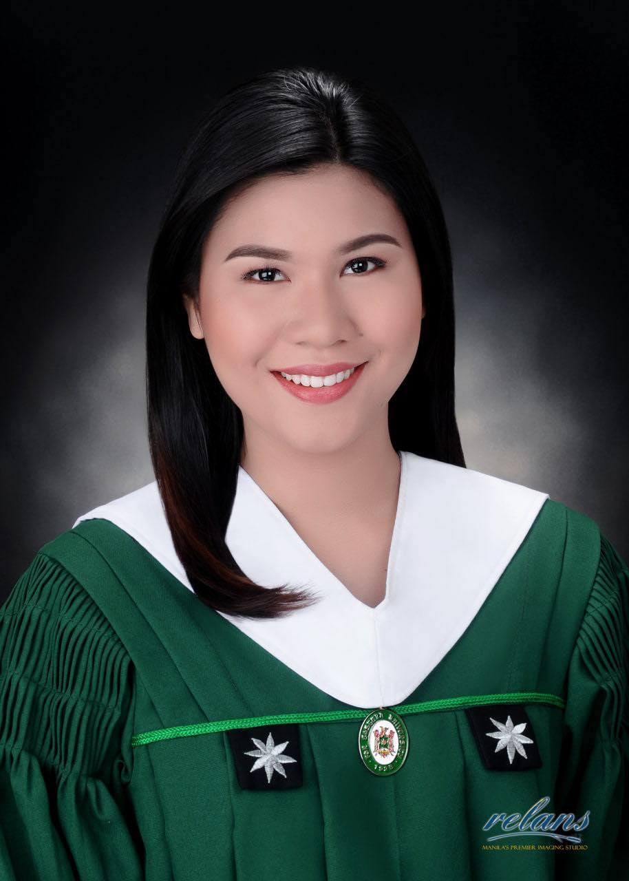 Pinay graduation pic, psychology major