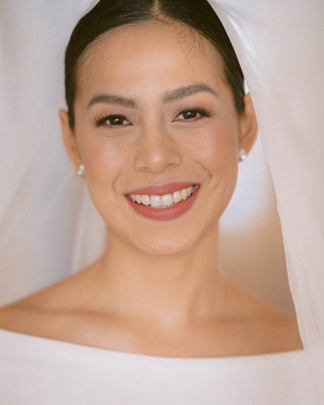 no makeup look for brides, wedding: Bettinna Carlos