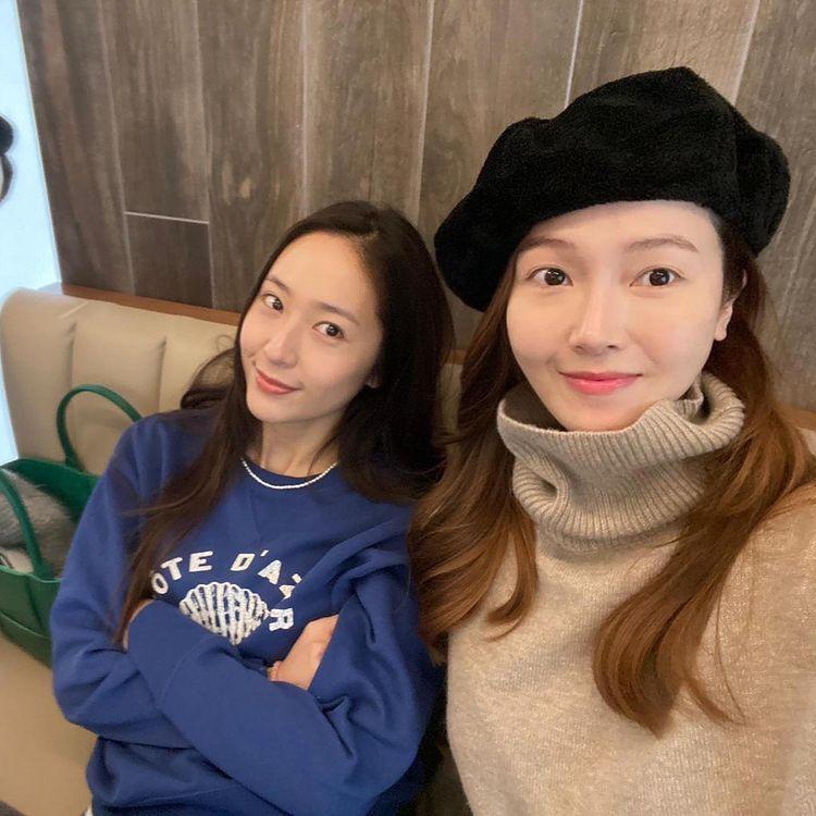 Korean stars who have celebrity siblings: Krystal Jung and Jessica Jung