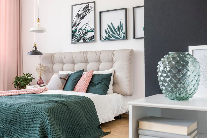 Small room design ideas: Layer your lighting