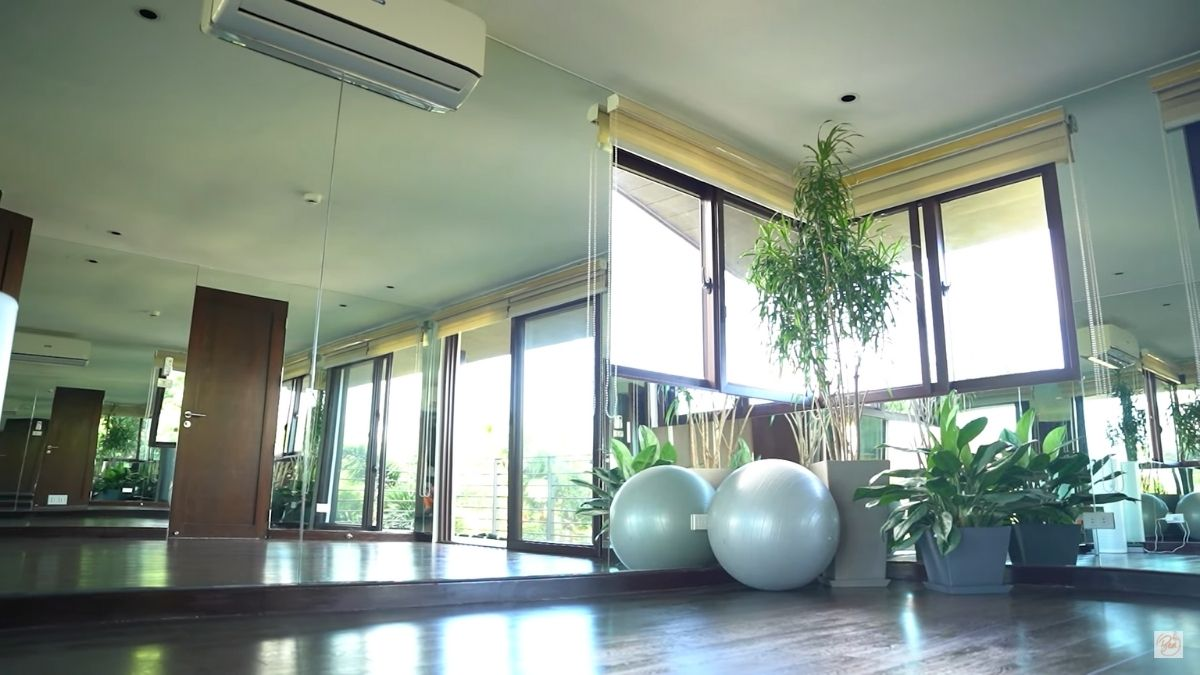 Bea Alonzo home gym: mini studio
