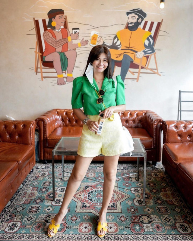 Green outfit: Vern Enciso