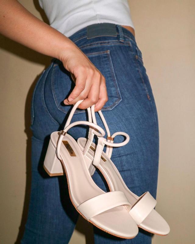 Kate Valdez sandals shoefie