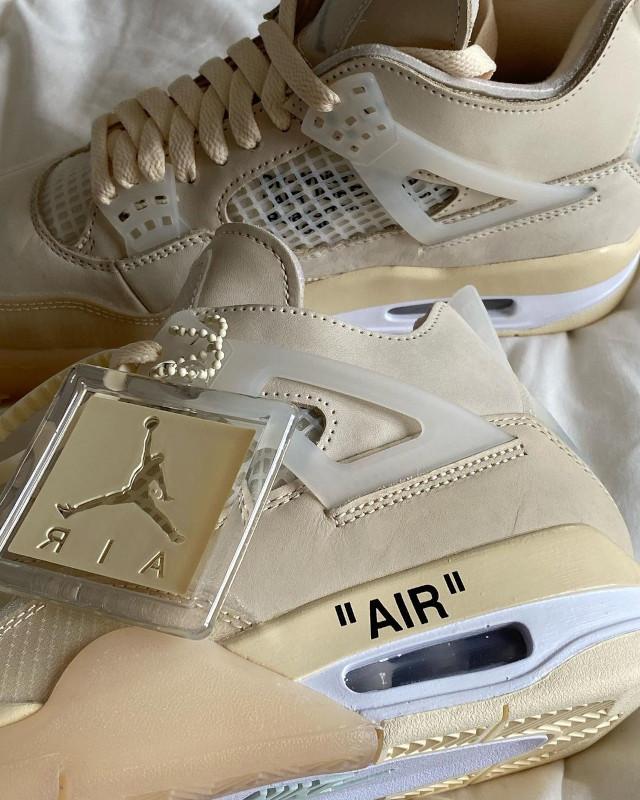 Rhea Bue sneakers shoefie