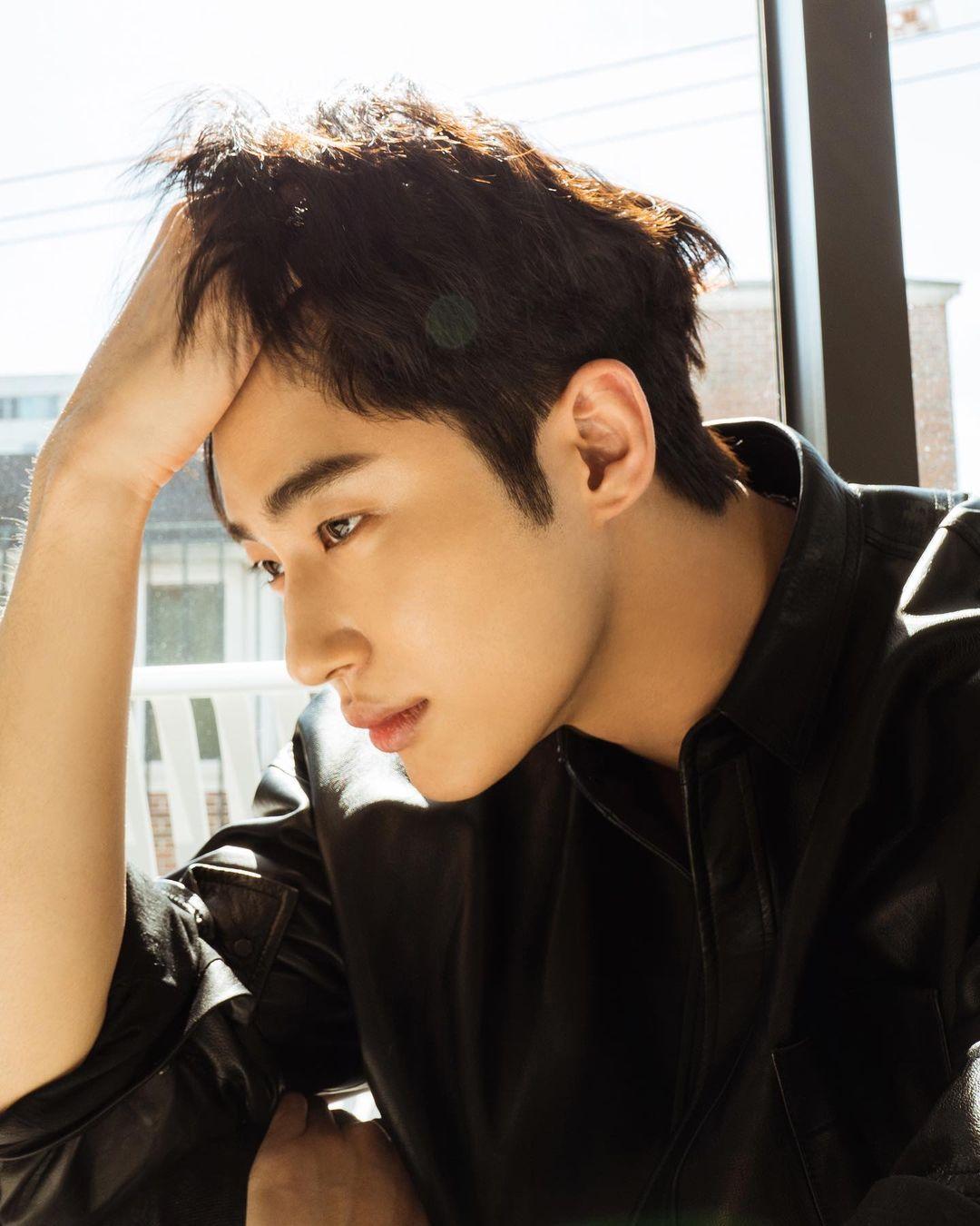 Is Byeon Woo Seok Bench's newest Korean endorser?