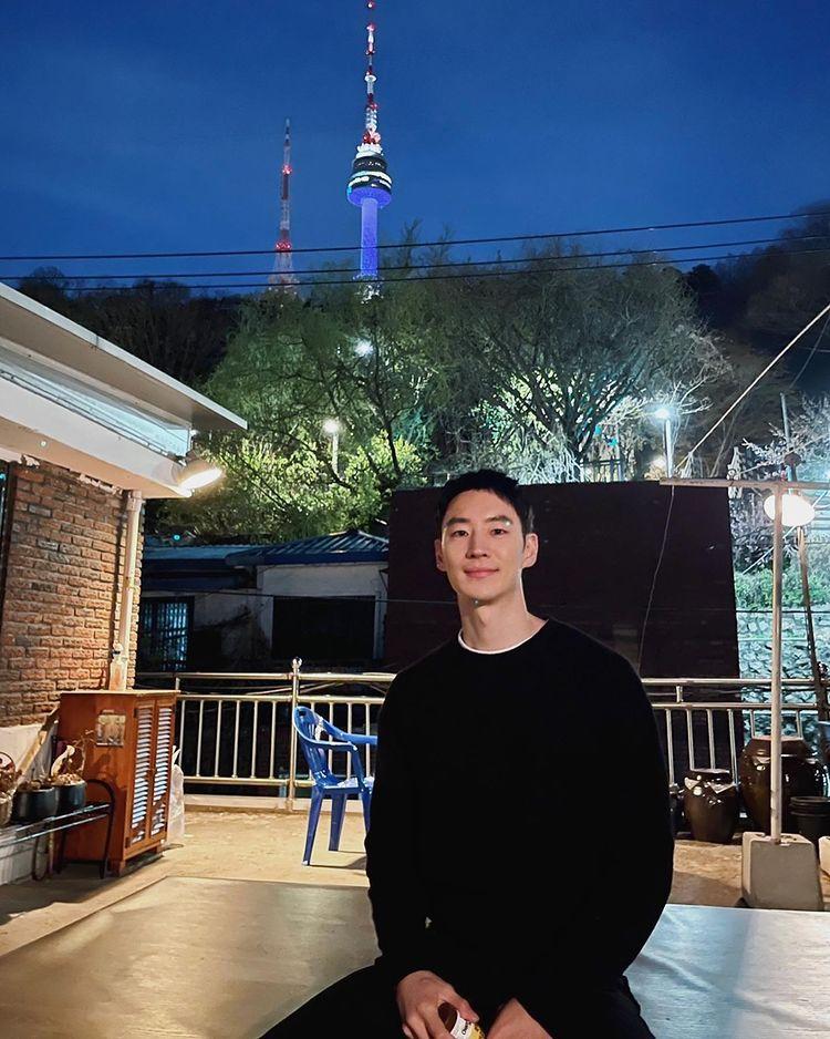 Fun facts about Lee Je Hoon: Korea university