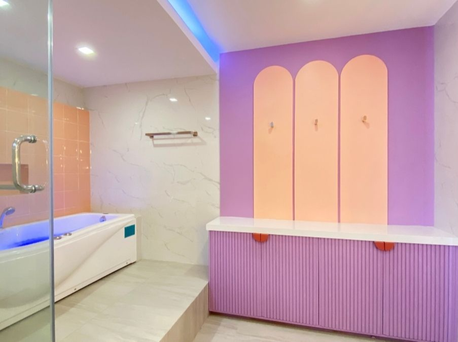 space makeover - neotenic design in bathroom and tub