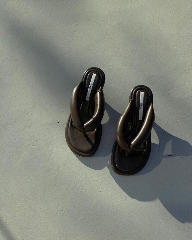 black chunky thong sandals