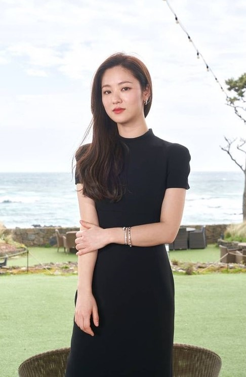 Korean actors who are starring in multiple K-dramas this year: Jeon Yeo Bin