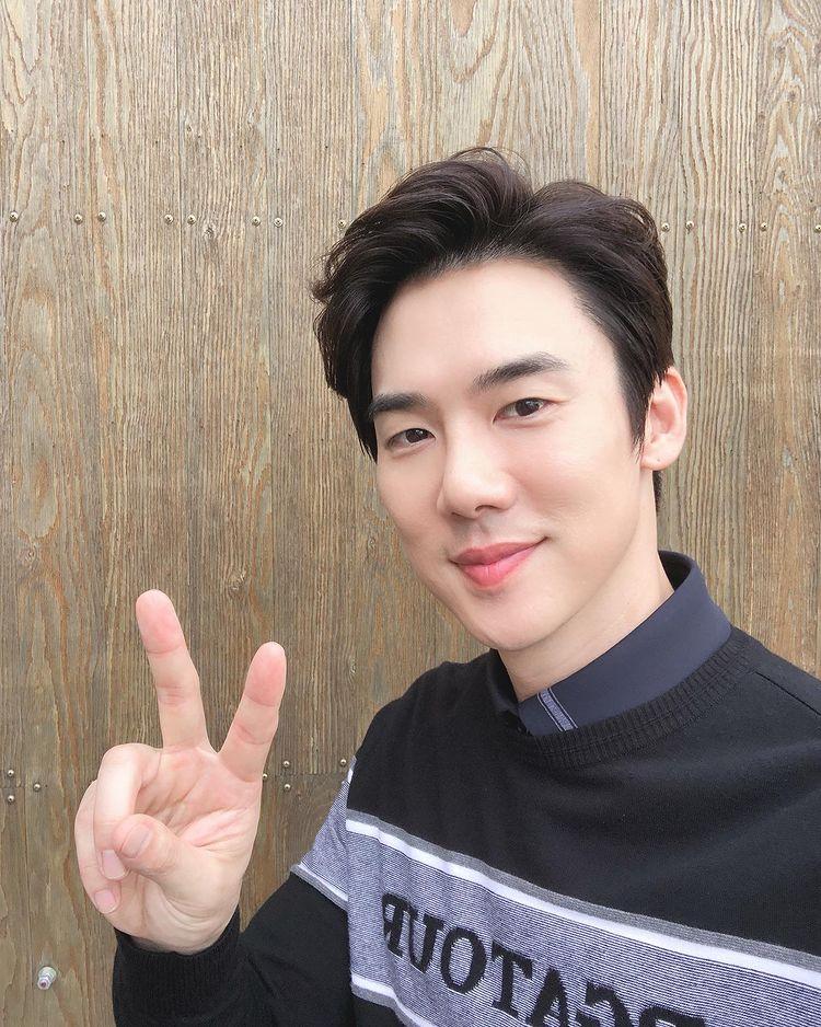 Korean actors who are starring in multiple K-dramas this year: Yoo Yeon Seok