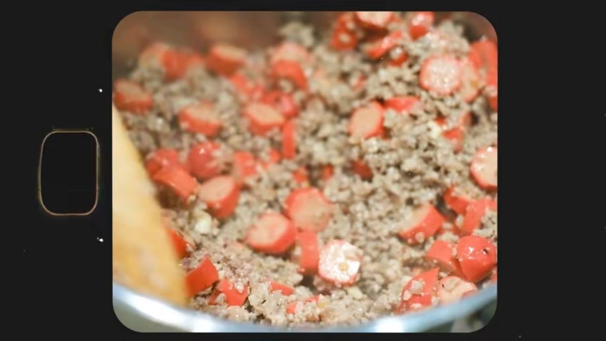 Bea Alonzo cooks Pinoy spaghetti - ground beef, ground pork, and hotdogs