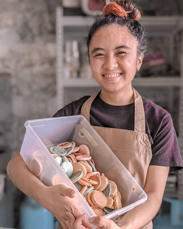 Culinary arts career - Pinay pastry cook