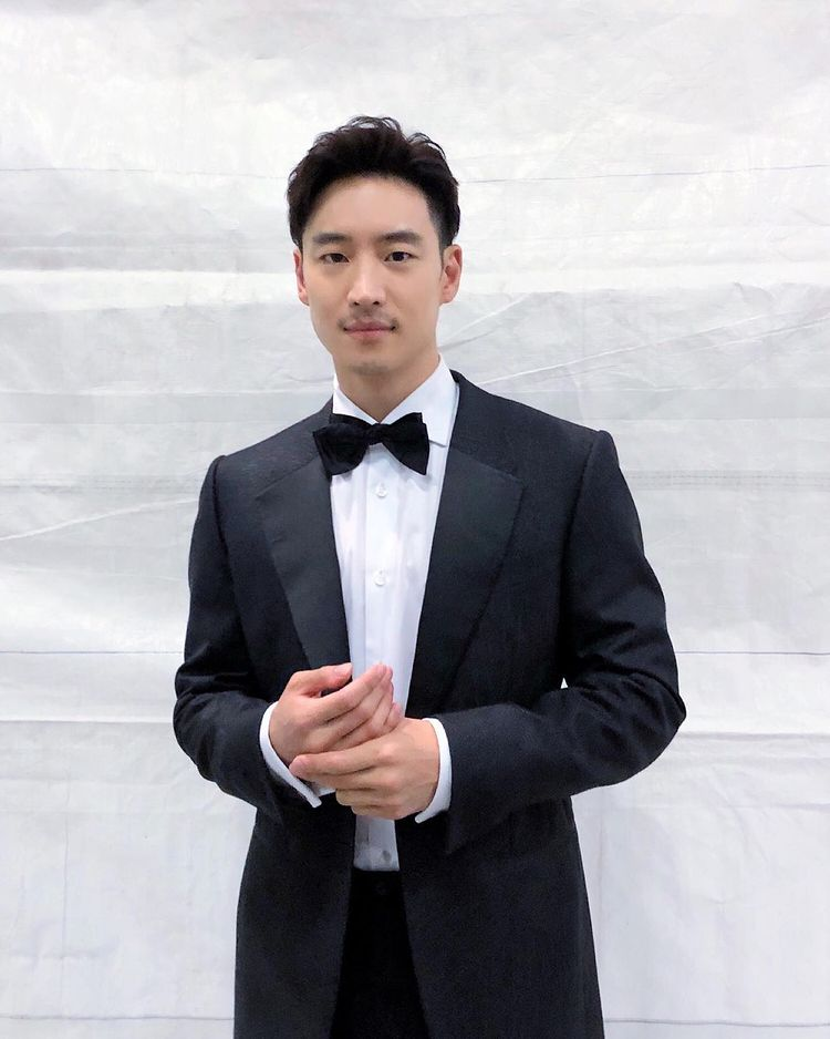 Korean actors who denied getting plastic surgery: Lee Je Hoon