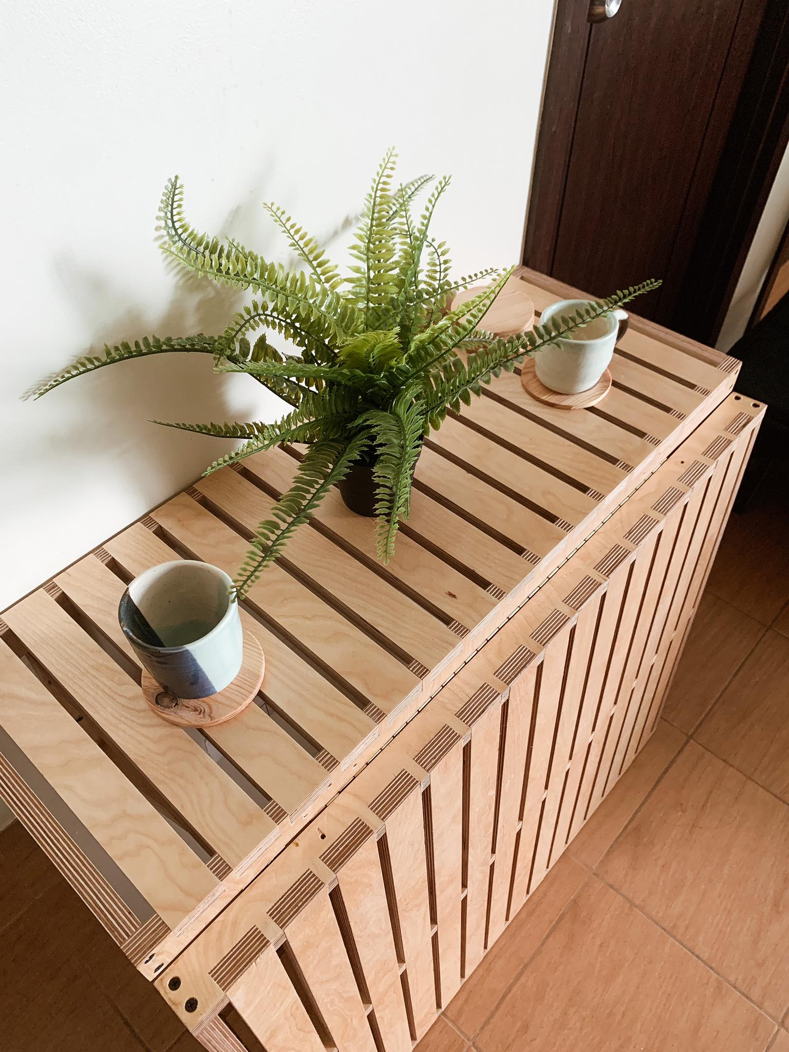 space-saving table with plants