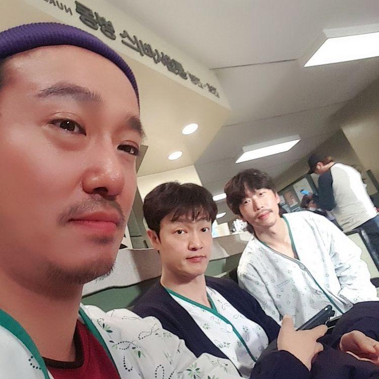 Sweet & Sour cast: Jo Han Chul, Yoon Byung Hee, Lee Seung Won